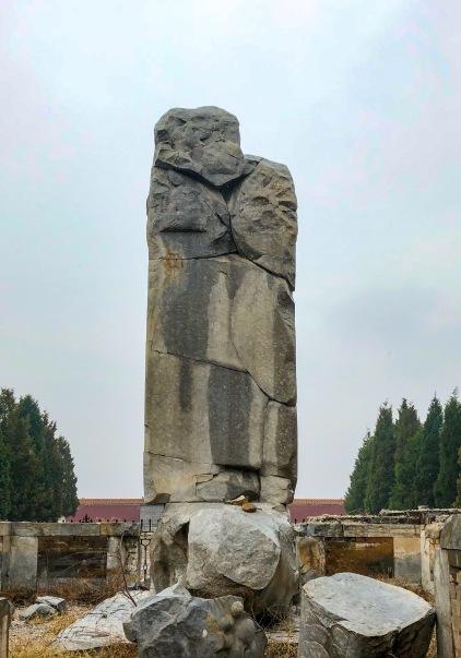孝庄皇太后残破的功德碑